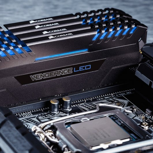 Corsair Vengeance LED DDR4 3000 PC-24000 32GB 4x8GB CL15 Azul