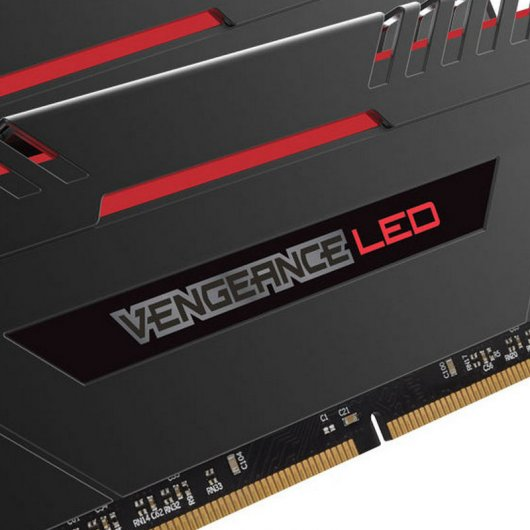 Corsair Vengeance LED DDR4 3200 PC-25600 32GB 4x8GB CL16 Rojo