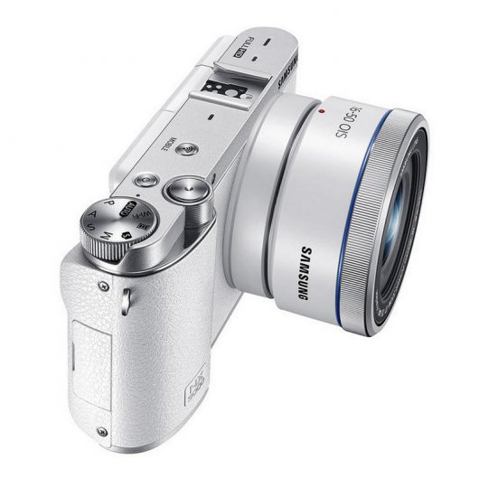 Samsung NX3000 Kit Blanco + 2ª Batería + Funda Reacondicionado